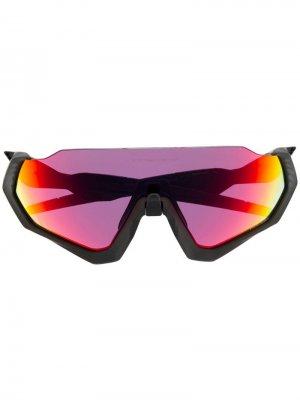 Солнцезащитные очки в спортивном стиле Oakley. Цвет: черный