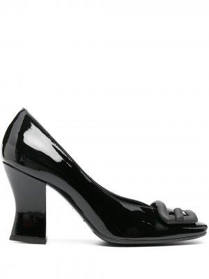 Туфли-лодочки с квадратным носком и пряжкой Roberto Festa. Цвет: черный