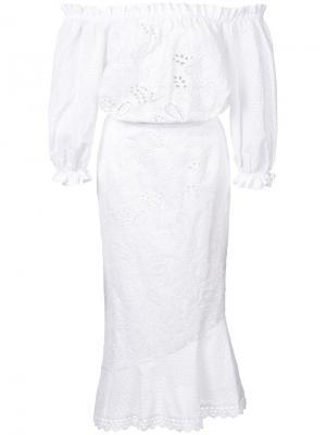 Летнее платье с открытыми плечами Saloni. Цвет: белый