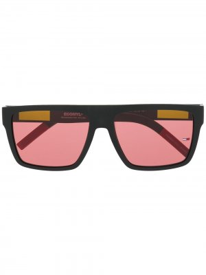 Квадратные солнцезащитные очки с затемненными линзами Tommy Jeans. Цвет: черный