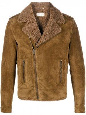Короткая дубленка с косой молнией Saint Laurent. Цвет: коричневый