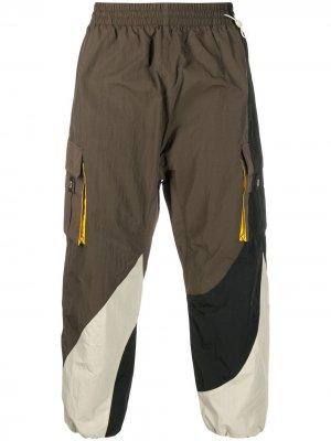 Спортивные брюки в стиле колор-блок Li-Ning. Цвет: зеленый