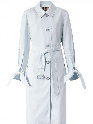 Пальто Tropical с завязками на манжетах Burberry. Цвет: pale голубой