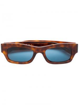 Солнцезащитные очки в оправе черепаховой расцветки Marni Eyewear. Цвет: коричневый
