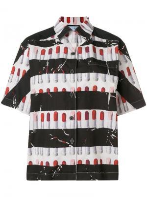 Рубашка в полоску с принтом губной помады Prada. Цвет: черный