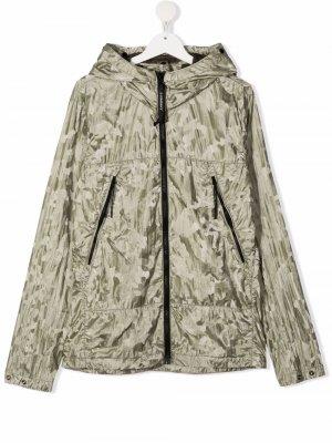 Куртка с камуфляжным принтом C.P. Company Kids. Цвет: зеленый