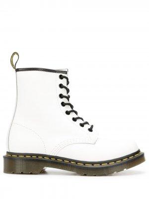 Ботинки на шнуровке Dr. Martens. Цвет: белый