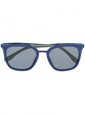 Солнцезащитные очки в квадратной оправе Fila. Цвет: синий