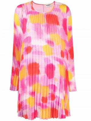 Плиссированное платье с абстрактным принтом Essentiel Antwerp. Цвет: розовый