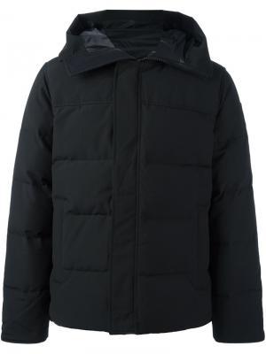 Пуховое пальто с капюшоном Canada Goose. Цвет: черный