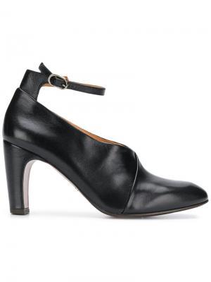Туфли-лодочки Easy Chie Mihara. Цвет: черный
