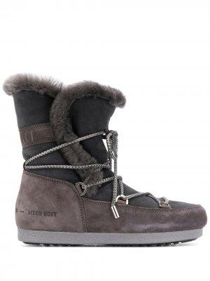 Зимние ботинки с оторочкой из овчины Moon Boot. Цвет: серый
