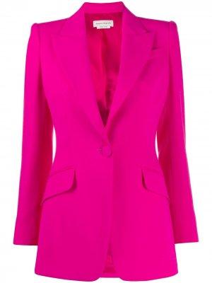 Приталенный однобортный блейзер Alexander McQueen. Цвет: розовый