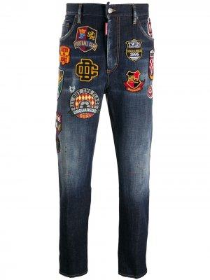 Прямые джинсы с нашивками Dsquared2. Цвет: синий