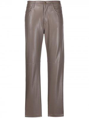 Прямые брюки из искусственной кожи Nanushka. Цвет: серый