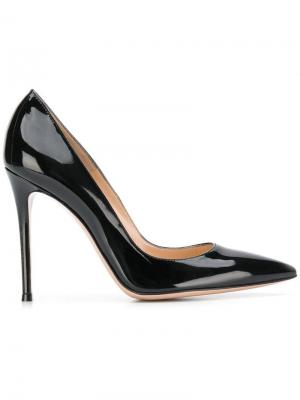 Pointed court shoes Gianvito Rossi. Цвет: черный
