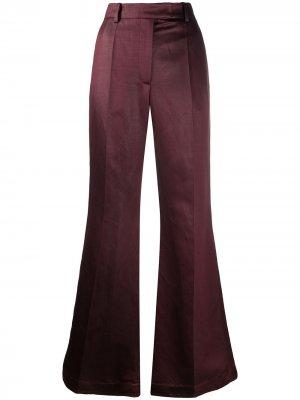 Расклешенные брюки со складками Joseph. Цвет: красный