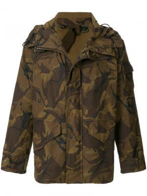 Куртка с камуфляжным принтом Ten C. Цвет: коричневый