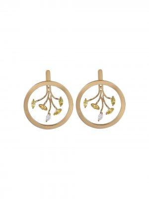 Серьги-кольца Mogra из желтого золота с сапфирами и бриллиантами Ananya. Цвет: золотистый