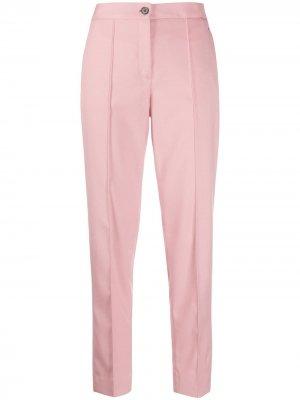 Брюки прямого кроя со складками Calvin Klein. Цвет: розовый