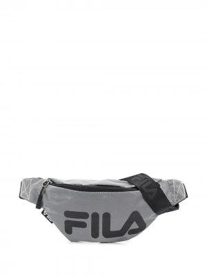 Поясная сумка с логотипом Fila. Цвет: серый
