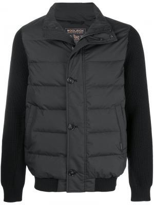 Куртка с утепленными панелями на груди и спине Woolrich. Цвет: черный