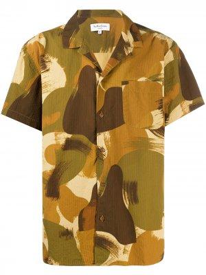 Рубашка с камуфляжным принтом YMC. Цвет: зеленый