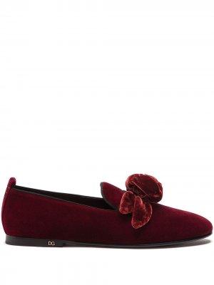 Бархатные слиперы с аппликацией Dolce & Gabbana. Цвет: красный