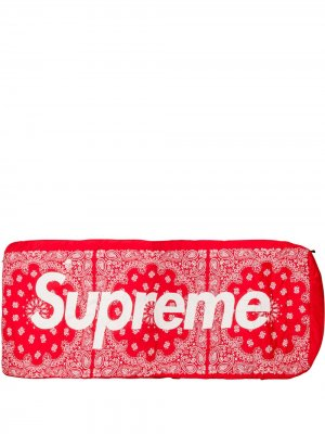 Спальный мешок Dolomite из коллаборации с  North Face Supreme. Цвет: красный