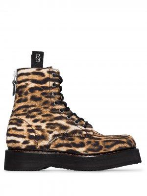 Ботинки с леопардовым принтом R13. Цвет: черный
