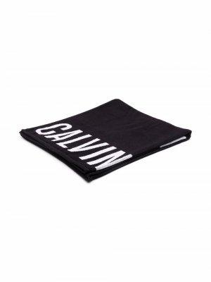 Пляжное полотенце с логотипом Calvin Klein Jeans. Цвет: черный