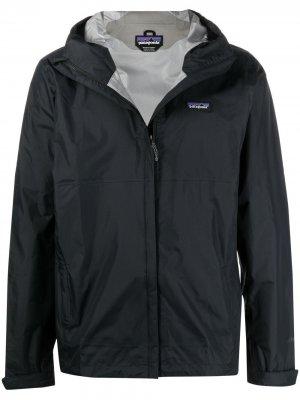 Куртка с капюшоном Patagonia. Цвет: черный