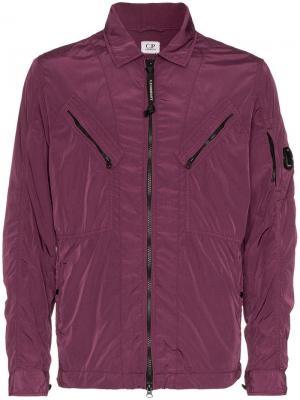 Легкая куртка с логотипом CP Company. Цвет: розовый