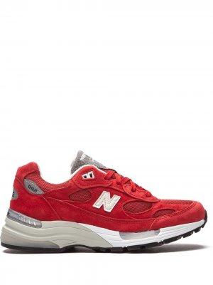 Кроссовки 992 New Balance. Цвет: красный