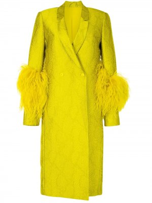 Пальто с перьями и змеиным принтом LAPOINTE. Цвет: желтый