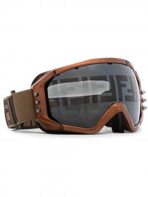 Лыжные очки с логотипом Fendi. Цвет: коричневый