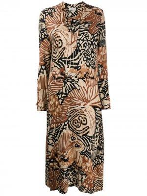 Платье-рубашка с абстрактным принтом By Malene Birger. Цвет: нейтральные цвета