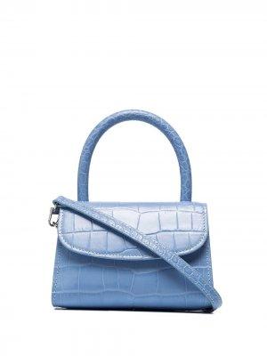 Мини-сумка с тиснением под кожу крокодила BY FAR. Цвет: sky голубой