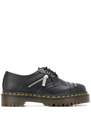 Туфли на шнуровке с декоративной молнией Dr. Martens. Цвет: черный