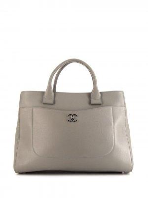 Большая сумка-шопер Neo Executive 2017-го года Chanel Pre-Owned. Цвет: серый