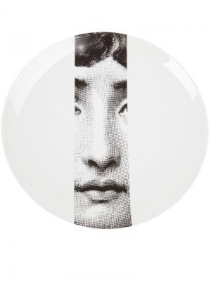 Тарелка с черным принтом Fornasetti. Цвет: белый