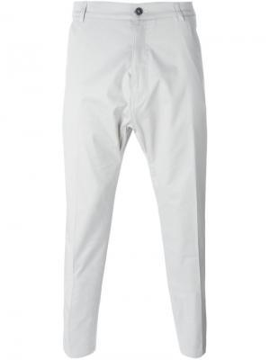 Классические брюки-чинос Antonio Marras. Цвет: серый