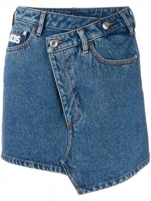 Джинсовая юбка с вышитым логотипом Gcds. Цвет: синий