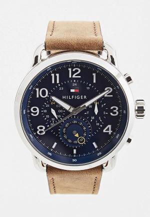 Часы Tommy Hilfiger. Цвет: коричневый