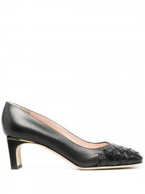 Туфли-лодочки с квадратным плетеным носком Pollini. Цвет: черный