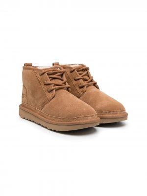 Ботинки на шнуровке UGG Kids. Цвет: нейтральные цвета