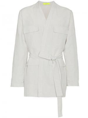 Куртка в стилистике халата с карманами-карго Ex Infinitas. Цвет: белый