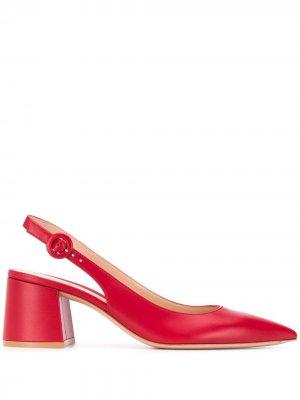 Туфли на блочном каблуке с ремешком пятке Gianvito Rossi. Цвет: красный