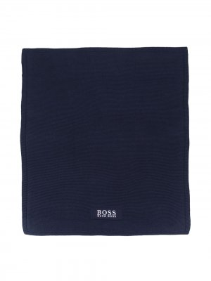Одеяло с нашивкой-логотипом BOSS Kidswear. Цвет: синий