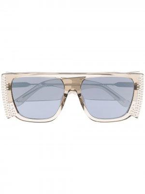 Солнцезащитные очки-маска Magda с кристаллами Linda Farrow. Цвет: серый